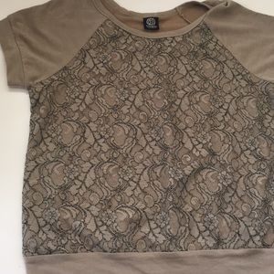 Bobeau Khaki Tan Lace Overlay Tee Shirt Raglan